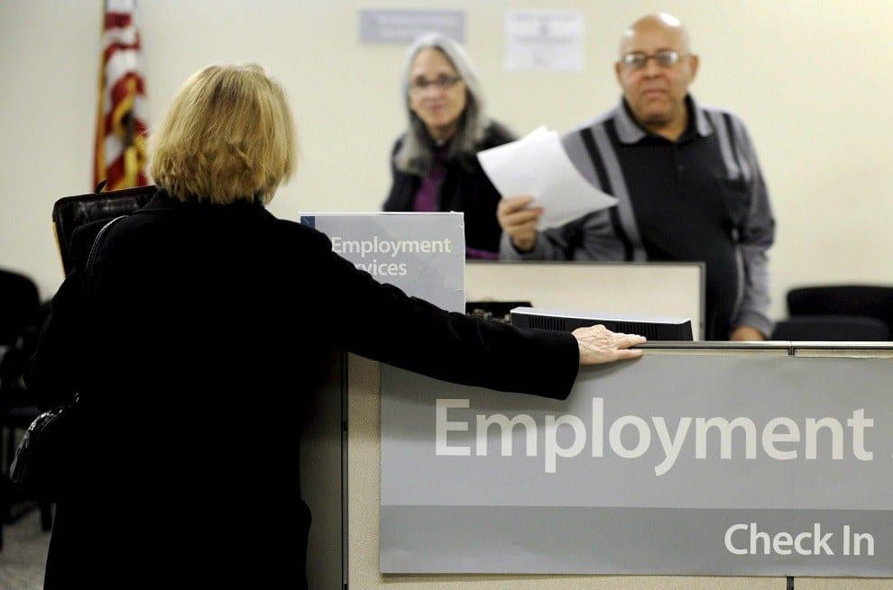 Las solicitudes de subsidio por desempleo en EE.UU. bajan en 2,000