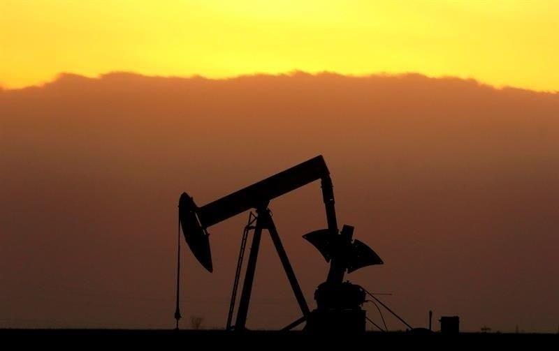 El petróleo de Texas sube un 0.07% y cierra en 69.17 dólares