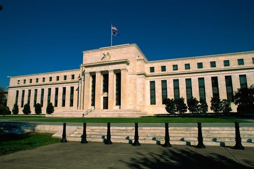 """El Libro Beige de la Fed alerta de que la economía de Estados Unidos avanza a un ritmo """"leve o moderado"""""""