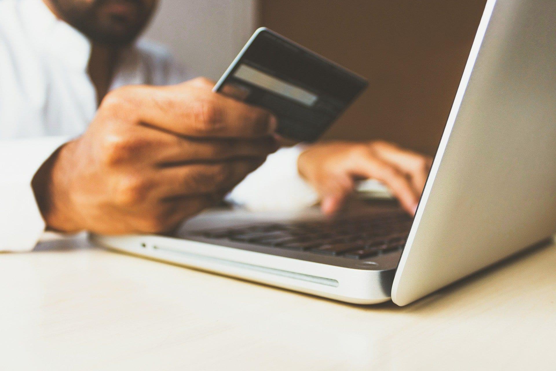 ¿Por qué reclaman los usuarios de la banca ante su entidad financiera?