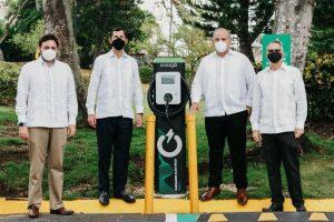 Santo Domingo Country Club inaugura cuatro nuevas estaciones de carga para vehículos eléctricos