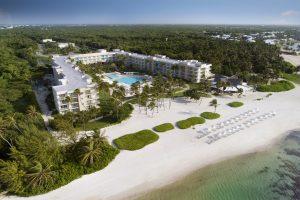 Mitur entrega certificaciones a hoteles y restaurantes de Puntacana Resort & Club por gestión del covid-19